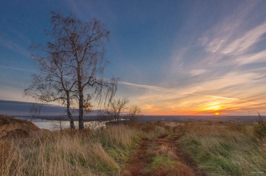 Autumn sunrise at the riverside